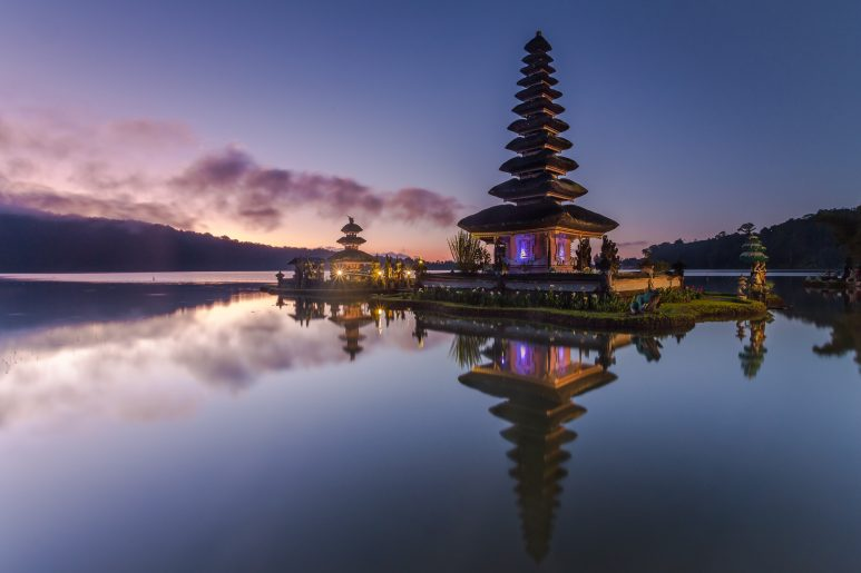 Ulun Danu temple at dusk