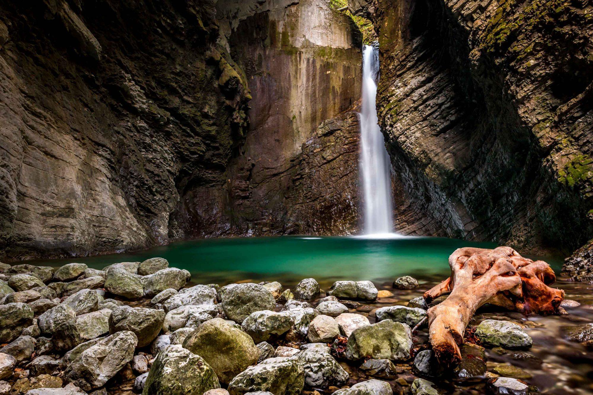 La cascade de Kozjak à l'ouest du parc national du Triglav. (Parc national du Triglav, Slovénie)
